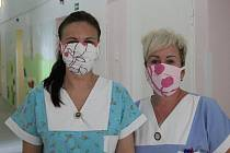 Lidé z celého okresu se rozhodli chránit své zdravotníky z hodonínské nemocnice.
