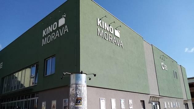 Lidé se budou moci naočkovat proti koronaviru bez předchozí registrace ve Veselí nad Moravou u tamního kina Morava první srpnový čtvrtek a pátek.