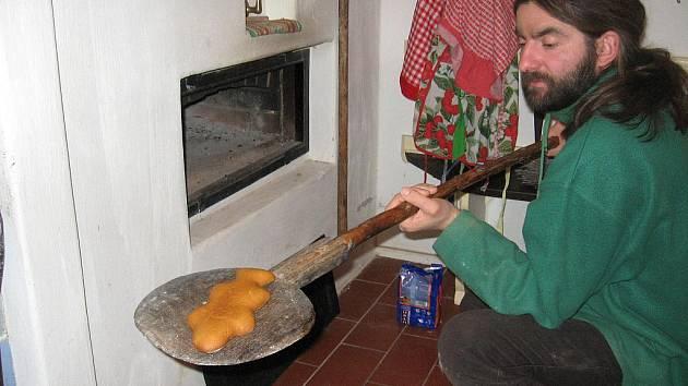 Perníky jsou ze speciální pece nafouknuté jako peřinky.