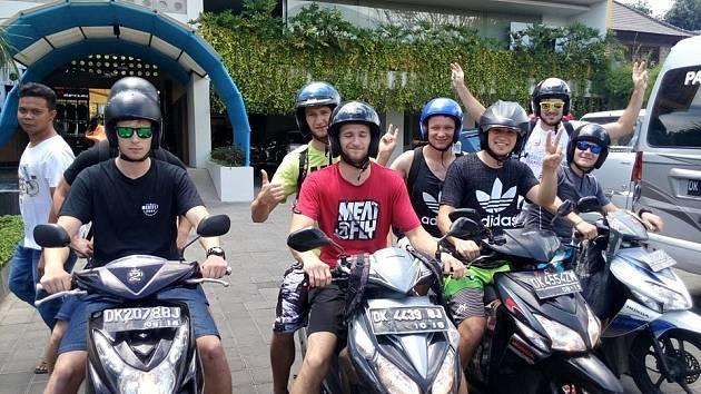 Po závěrečném ceremoniálu opustila hodonínská výprava místo konání světového šampionátu v raftingu a odletěla relaxovat na hodinu vzdálený ostrov Bali.