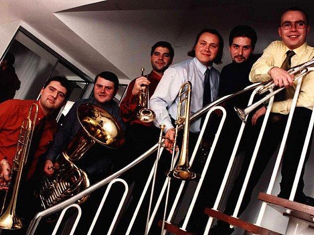 Vyhlášený žesťový soubor Brass 6 složený z předních hráčů nejlepších tuzemských symfonických orchestrů.