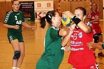 Panenky v úvodním zápase čtvrtého ročníku Slováckého poháru přehrály ABU Baku 26:23.