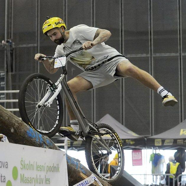 Biketralista David Herka.