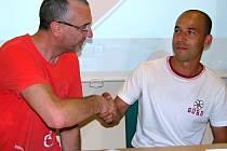 Sportovní ředitel hodonínského Tanga Jiří Štěrba (vlevo) se na spolupráci domluvil se slovenským trenérem Marianem Berkym.
