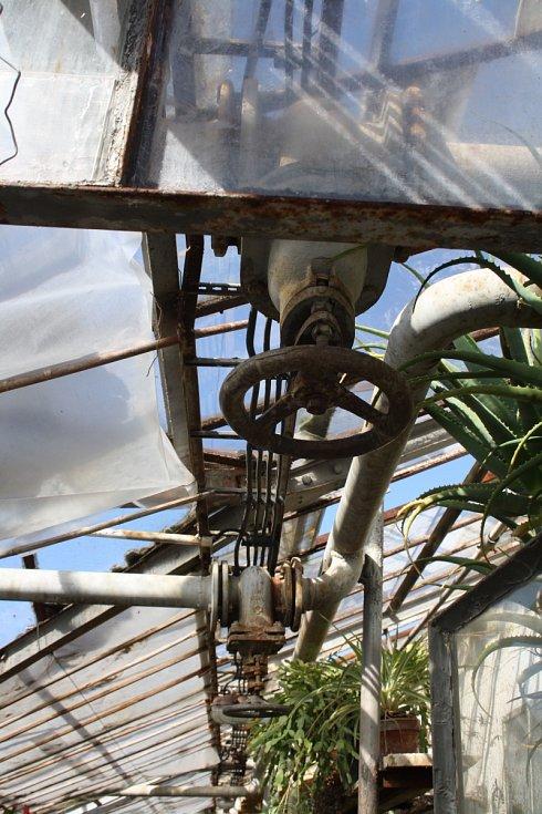 Skleníky v milotické zámecké zahradě kvůli špatnému technickému stavu půjdou k zemi. Nahradí je zcela nové.