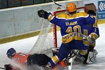 Hodonínští hokejisté deklasovali ve 25. kole skupiny Střed čtvrtý Nymburk 7:0.