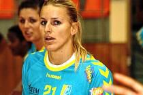 Pětadvacetiletá házenkářka Helena Štěrbová nastřílela Veselí v přípravném zápase šest branek.