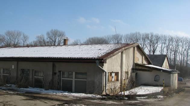 V areálu bývalého internačního tábora ve Svatobořicích.