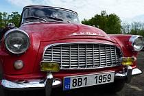 Poprvé se v Hodoníně konala Auto-moto veterán burza. V areálu U červených domků si mohli návštěvníci prohlédnout veterány aut i motorek a koupit na ně náhradní díly.