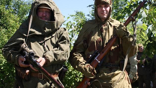 Vlkošské dny vojenských tradic přilákaly do Vlkoše více než dva tisíce lidí. Čekal je pestrý program, který ukončila bitva.