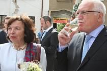 Návštěva prezidenta Václava Klause a jeho ženy Livie v Hodoníně.