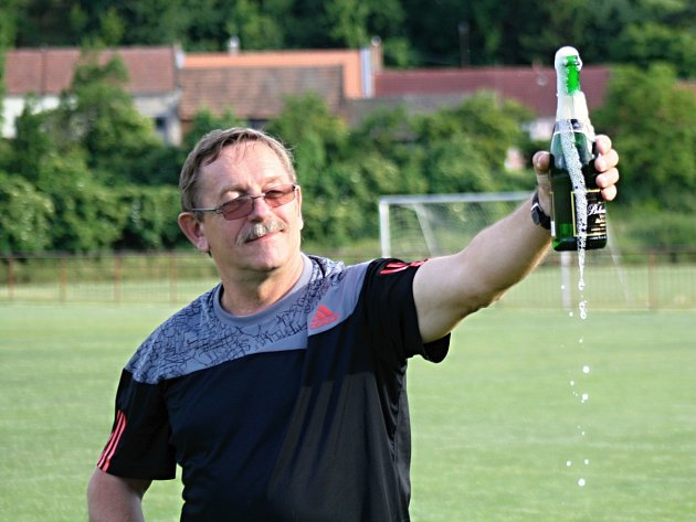 Předseda fotbalového klubu TJ Kordárna Velká nad Veličkou Petr Kohůt starší (na snímku) v pátek 6. ledna oslavil šedesáté narozeniny.