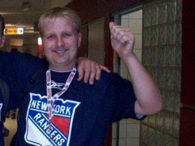 Zbyněk Koplík při pražském utkání New York Rangers sTampou.