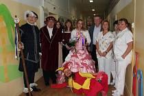 Na dětském oddělení Hodonínské nemocnice zahráli divadlo