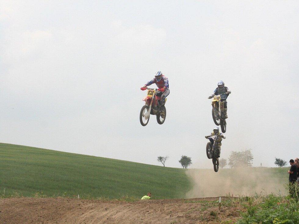 Motokrosaři se předvedli v Karlíně