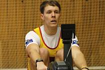 Veslař Jakub Podrazil z pražské Dukly obhájil v Hodoníně titul mistra republiky na trenažéru. Známý olympionik zvládl dvoukilometrovou trať za 5:46,9 minuty a znovu získal zlato.