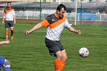 Ani branka zkušeného útočníka Martina Dufka (na snímku) fotbalistům Kyjova nepomohla. Slovácký celek v posledním kole prohrál ve Vyškově 1:2.