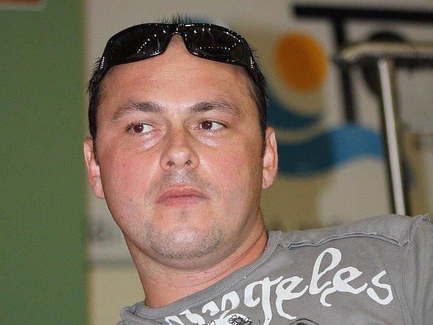 Trenér Veselí nad Moravou Peter Sabadka.