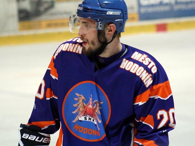 Třiadvacetiletý obránce Drtičů David Skočovský by měl dres Hodonína oblékat i v příští druholigové sezoně.