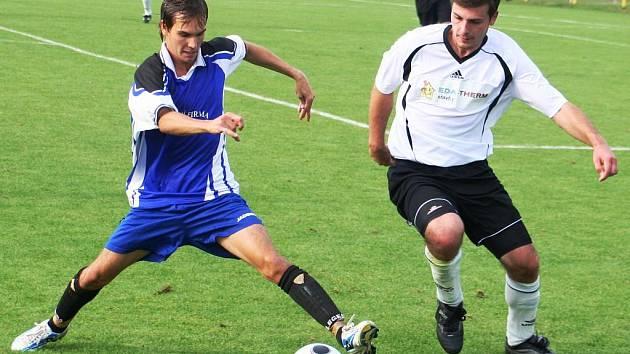 Fotbal Vacenovice (v bílém). Ilustrační foto