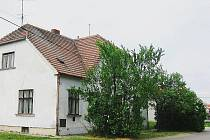 Původní budova restaurace U Čápů byla částečně upravena na obytný dům.
