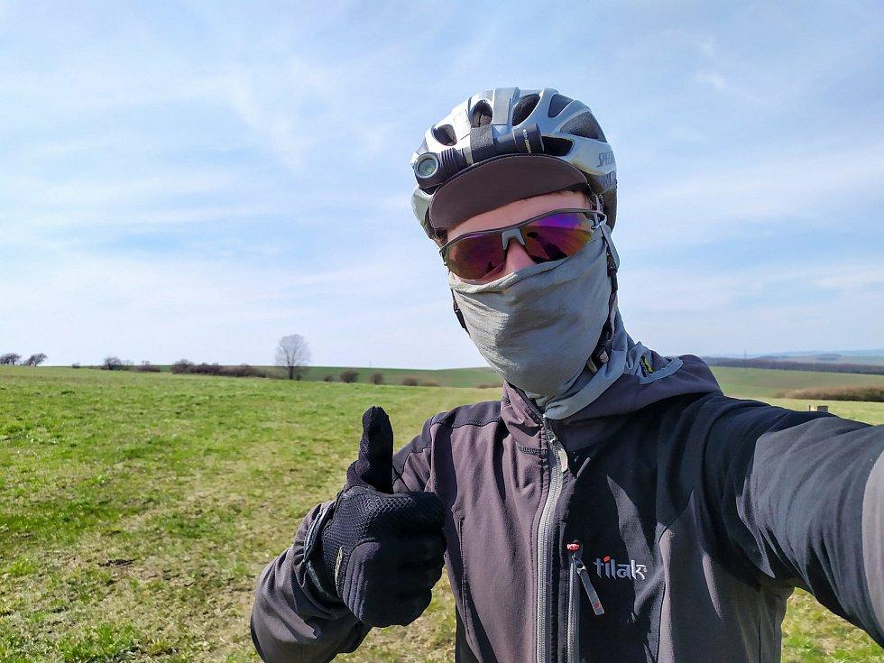 Cesta Pavla Novotného na kole po hranicích hodonínského okresu.