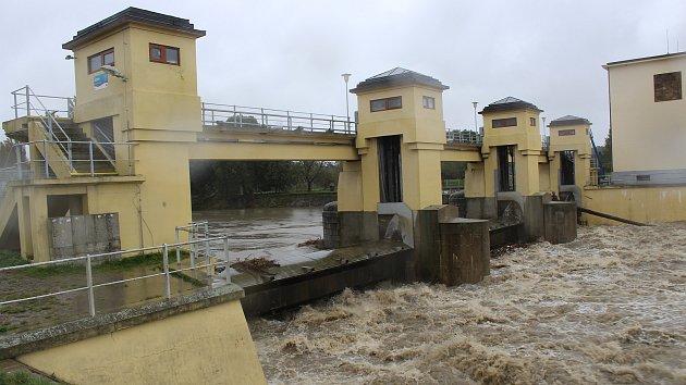 Na Hodonínsku se zvedly hladiny řek, hrozí povodně