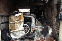 Za pondělním požárem ve Veselí nad Moravou může být technická závada. Oheň ale mohl vzniknout i po svařování.