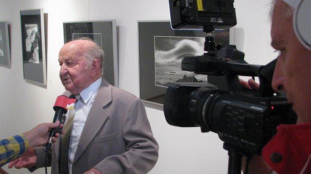 Václav Kopka vystavuje své fotografie vhodonínské Galerii výtvarného umění.