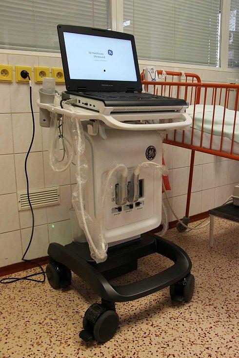 Nový mobilní ultrazvuk na novorozeneckém oddělení kyjovské nemocnice.