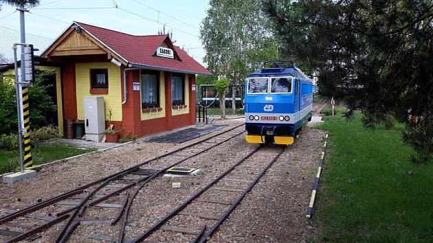 Zahradní železnice ve Vracově zahajuje sezonu v neděli 19. května odpoledne.