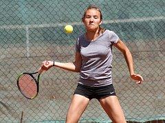 Hodonínští tenisté v soutěži smíšených družstvech dospělých podlehli tradičnímu rivalovi, celku ŽLTC Brno, 3:6.