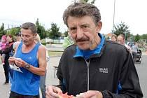 Zkušený hodonínský vytrvalec Vladimír Varmuža (na snímku) si v Kunovicích podmanil kategorii veteránů nad 65 let.