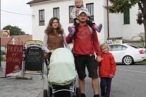 Vřesovského výšlapu Za krásami podzimu se zúčastnil i Lukáš Vaculík s rodinou.