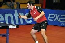 Hrající trenér týmu stolních tenistů Agrotec Hustopeče Petr Hoferik.
