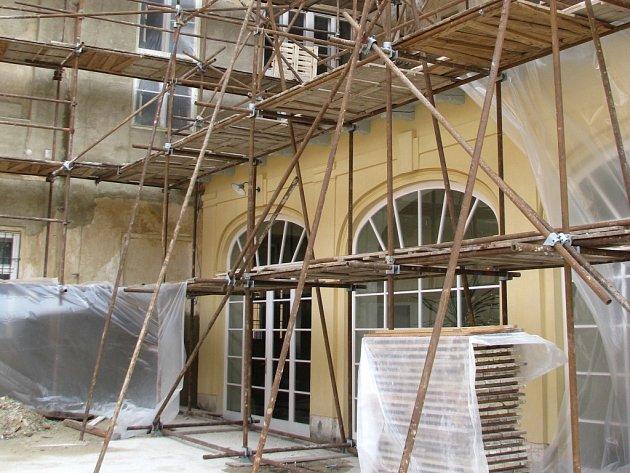 Zámek ve Strážnici prochází posledních několik let opravami. Nově je i bezbariérový.
