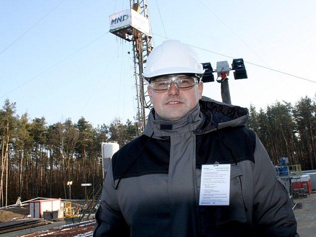 Redaktor Hodonínského deníku Rovnost Petr Turek si vyzkoušel jeden pracovní den jako vrtař společnosti MND.