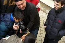 Jakub Ludvík fotil postižené děti a ony zase jeho.