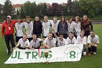Fotbalisté Hovoran porazili na městském stadionu Kyjov 3:0 a zaslouženě se radovali ze zisku okresního poháru.