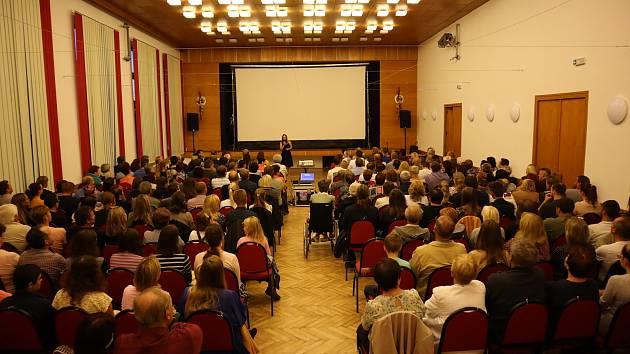 Dokumentární film Hroznová Lhota od Adama Vitovského měl premiéru 26.9.2021 v místním kulturním domě.
