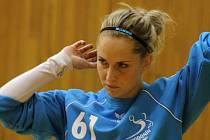 Hodonínská brankářka Vanda Nejezchlebová příliš práce v zápase s Plzní neměla. Slovácký celek deklasoval soupeře ze západu Čech 42:19.