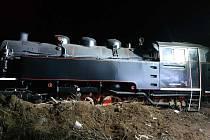 Ve Veselí nad Moravou vykolejila historická lokomotiva.