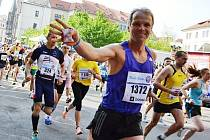 Padesátiletý vytrvalec Josef Korvas ze Vnorov si splnil sen, když v Praze absolvoval svůj první maraton. S časem 3:11:57, který mu stačil na 372. místo, spokojený nebyl.