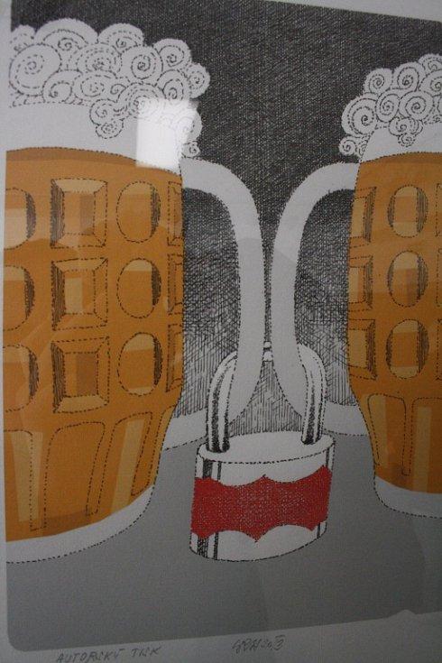 V hodonínském Regionálním centru začala výstava kresleného humoru Jiřího Srny.