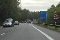 Omezení kvůli dostavbě nového mostu na silnici I/55 u Hodonína v pondělí odpoledne.