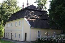 Myslivna u zámku ve Veselí nad Moravou.