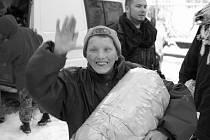 Dobrovolníci pomáhají dětem na Ukrajině