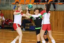Hodonínská házenkářka Nikola Kalinová po dvou dnech byla v tabulce střelkyň na prvním místě, ale do tří nedělních zápasů již nenastoupila.