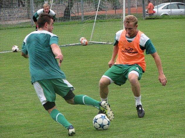 Bzenečtí fotbalisté v úterý zahájili přípravu na premiérovou divizní sezonu. Realizační tým Slovanu rozšířil Libor Snopek, který se stal asistentem trenéra.
