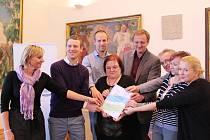 Hodonín zvítězil v soutěži o Fairtradový počin roku 2016 díky Fairtradové svačince v nemocnici.